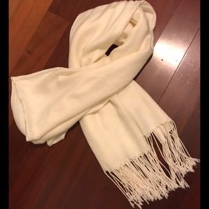 Accessories - Scarf Cream Fringed